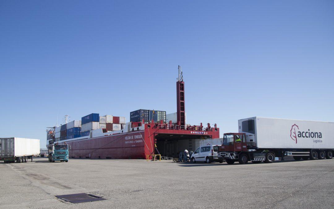 El Puerto de Cádiz promueve su capacidad  logística para el transporte de perecederos en el Sur de Europa