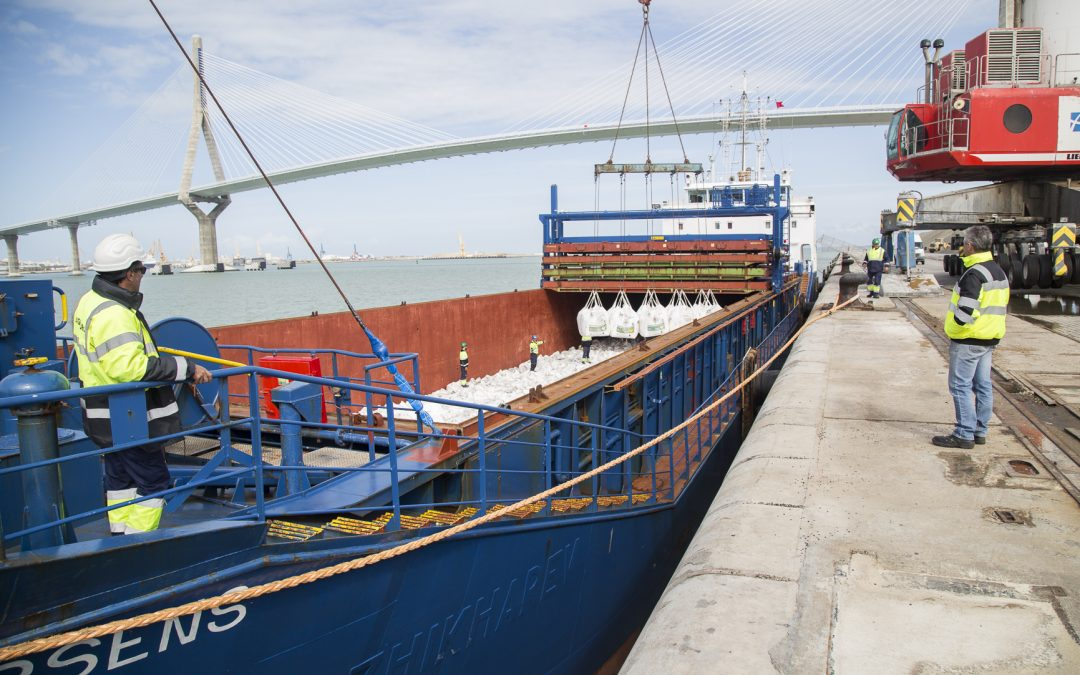 Port traffic grows by 35 percent in the first quarter in the Bay of Cadiz