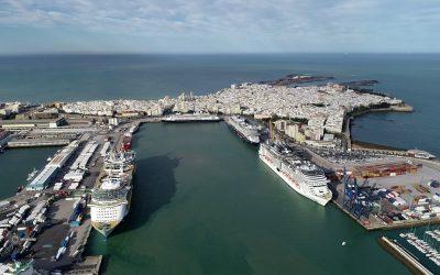 El Carnival Breeze atracará en el Puerto de Cádiz para repatriar a los tripulantes del Carnival Victory