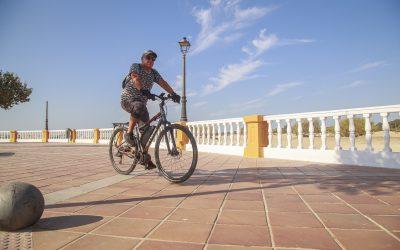 La Autoridad Portuaria repara la balaustrada del Paseo José Luis Tejada en El Puerto